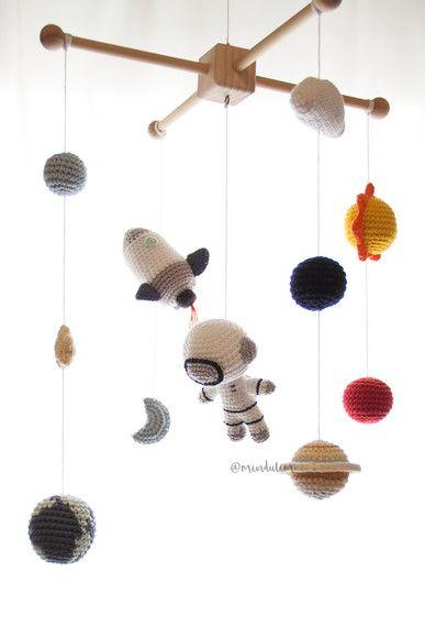 movil universo bebe crochet